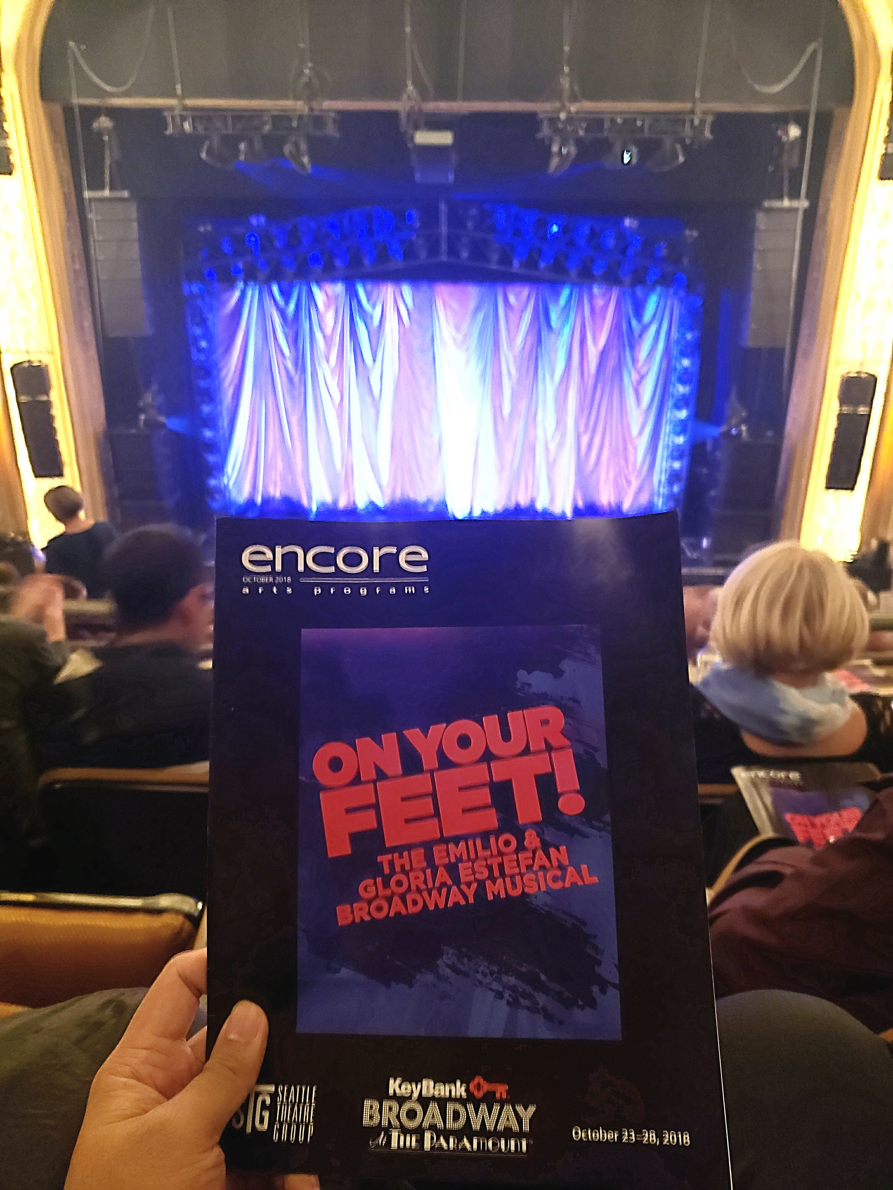 Watched ON YOUR FEET! The Musical. Stellar light show, mesmerizing choreography, golden voices, & hawt Emilio Estefan actor (Ektor Rivera). But like many Paramount Theatre shows, the volume was too loud.